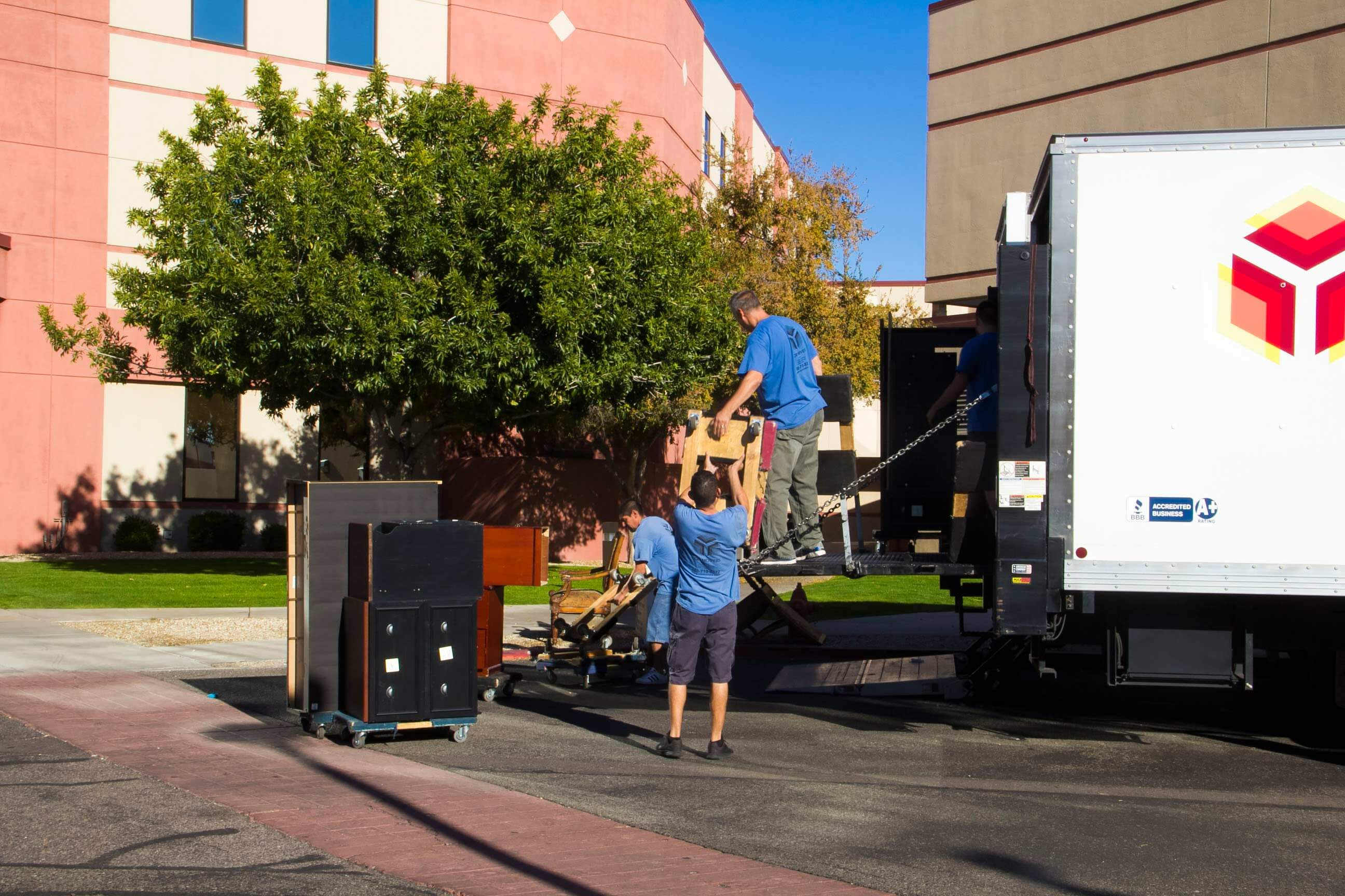 furniture movers phoenix az and nearby areas